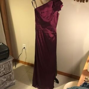 Jessica Mclintock one shoulder gown in purple